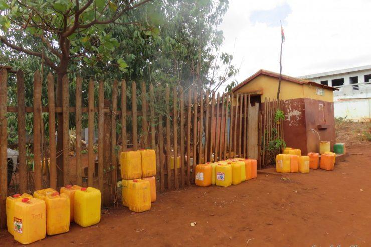 Pas d'électricité, pas d'eau et  aucune sécurité. What's next ?